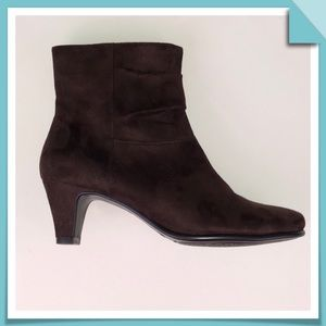 Aerosoles Brown Sueded Ankle Booties Size7.5